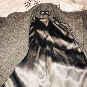 Elegant long coat, soft and warm.